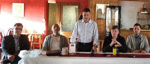 Andreas Georgi im Kreise seiner Gremiumskollegen beim CFC-Stammtisch am Tage der Bekanntgabe der Insolvenz